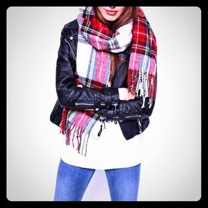 Accessories - On Trend Fringe Plaid Scarf